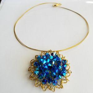 Swarovski Elements Metallic Blue Flower Necklace NWOT